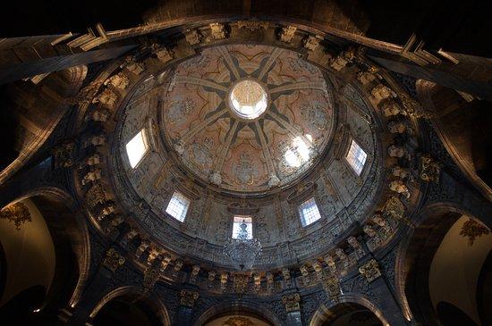 Santuario de Loyola: Vista interior de la cúpula y nave del santuario