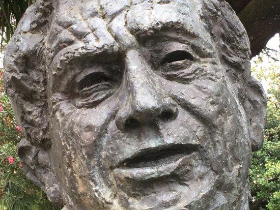Busto de A. Aviles de Taramancos