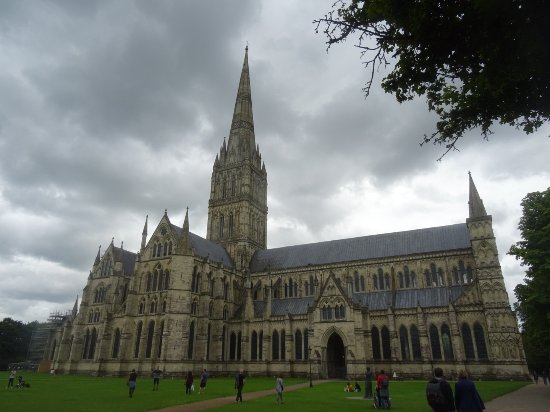 Salisbury Cathedral and Magna Carta: The cathedral from outside