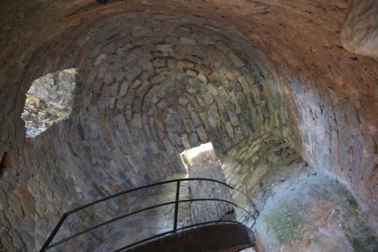 Riviere-sur-Tarn, France : La belle tour de l'intérieur
