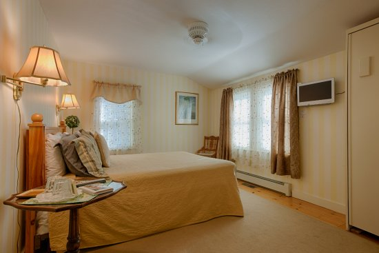 Buttonwood Inn on Mount Surprise: Room 9 - mountain, forest, and garden views