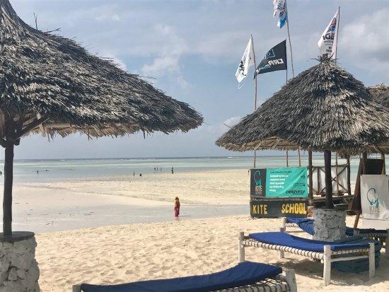 Waikiki Zanzibar Resort: Swell Kite School, direkt am Waikiki Beach Resort
