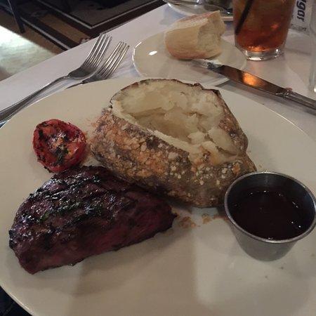 Jake's Grill: steaks