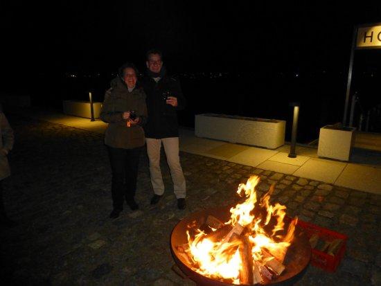Stockbrot Grillen Und Punsch Am See Picture Of Hotel Speicher Am