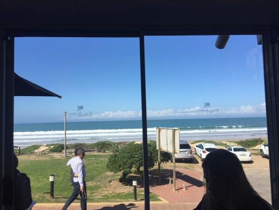 Kitchen Windows Beach Restaurant: photo0.jpg