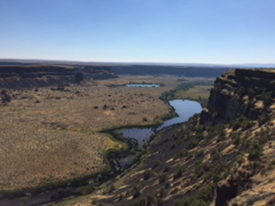 ‪‪Coulee City‬, واشنطن: Looking south...the falls went on for 20 miles.‬