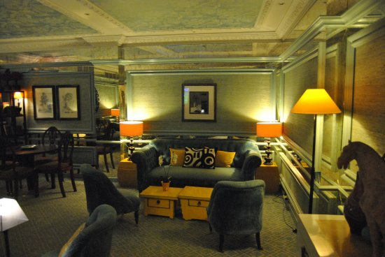 Hotel Lisboa Plaza: salon bleu