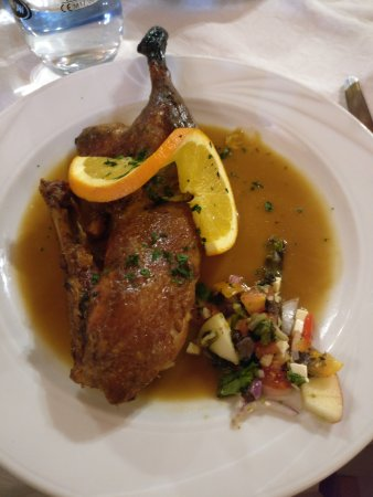Espiche, Portugal : Duck Orange