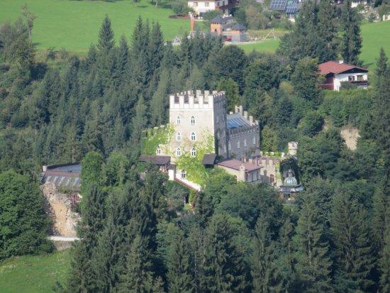 Itter, Austria: Blick auf die Burg nur von Weitem möglich!