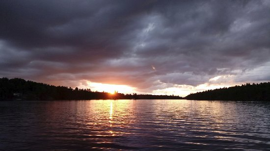 Monetville, Canada: Sunset on the french river
