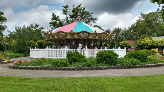 Grand Island, NY: The carousel in the kiddy section.
