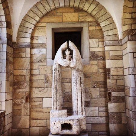 Ellicott City, MD: Statue