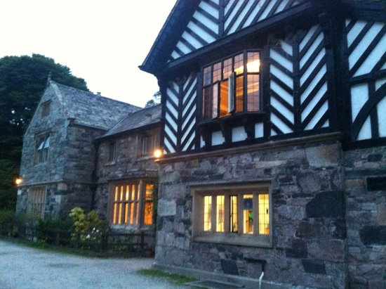 YHA Wasdale Hall: By night..