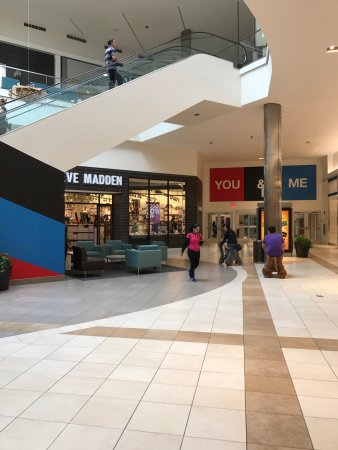 Fashion Outlets Of Chicago Rosemont Il Top Tips Before You Go With Photos Tripadvisor