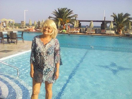 Beach Club Aphrodite : Jeden ze čtyř bazénů