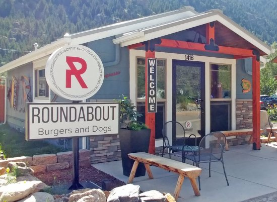 Review Of Roundabout Burgers And Dogs