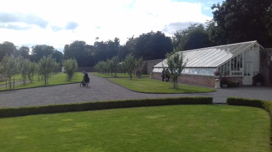 County Meath, Irlanda: Walled garden green house