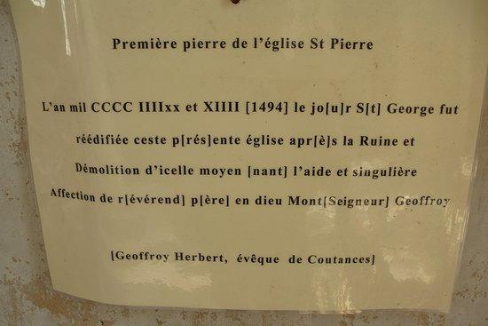 Eglise Saint Pierre: Traduction de la légende de la première pierre