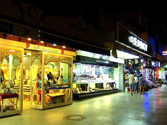 Kusadasi Market: FB_IMG_1503856560554_large.jpg