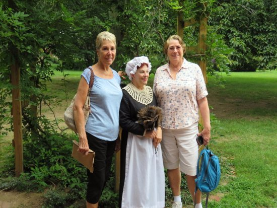 """The Mark Twain House & Museum: Judy, Linda and """"Lizzie Wills"""""""