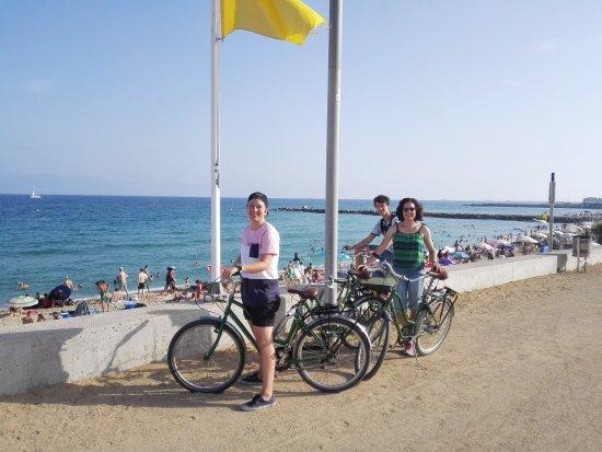 Green Bikes Barcelona : Vuelta a la costa de Barcelona.