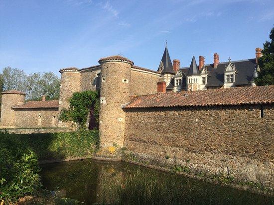 Saint-Sauveur-de-Landemont, France: photo3.jpg