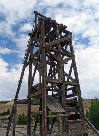 Route of the Silver Kings: Old mine headframe. Several of these in various places.