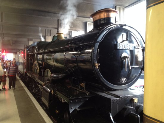 The Shakespeare Express: Birmingham snow Hill- almost ready to go!