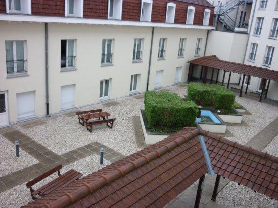 Citadines Sainte-Catherine Brussels: côté cour