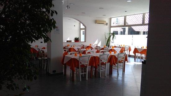 ristorante ristorante gallo nero in ferrara con cucina italiana. Black Bedroom Furniture Sets. Home Design Ideas