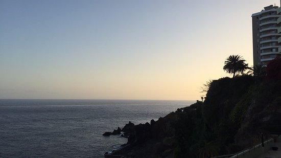 Madeira Regency Cliff: Sunset