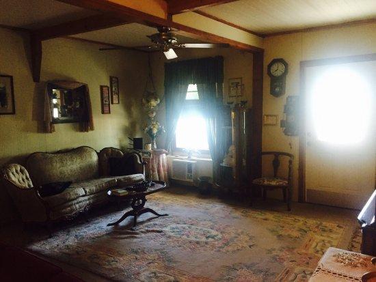 Tombstone Bordello: photo6.jpg