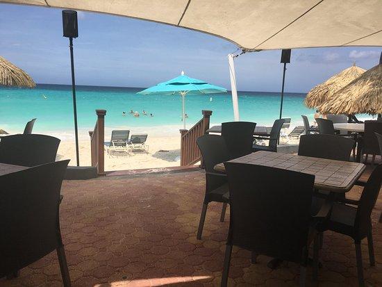 La Quinta Beach Resort : View of the beach from Matthews Oceanside
