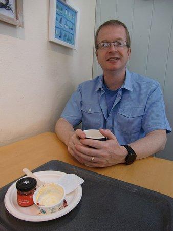 Boscastle, UK: Cream tea went down well!