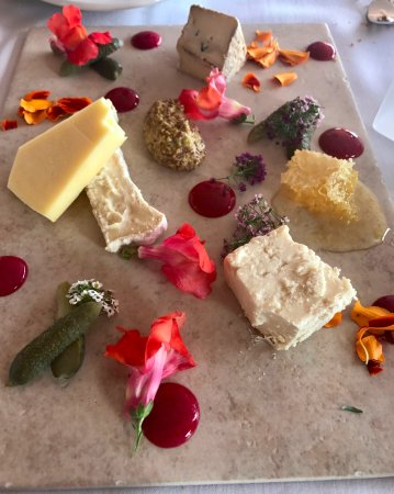 Gallatin River Lodge: Local Cheese Plate with Red Currant & Rosemary Sauce