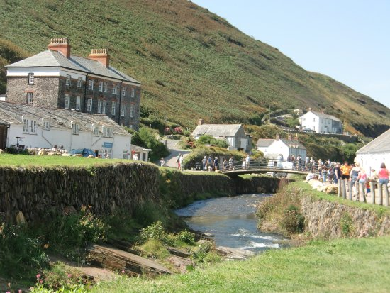 Boscastle, UK: View from the bridge towards the harbour