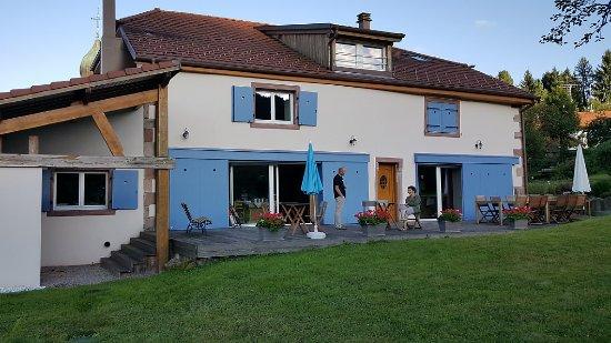 Saulxures, France : Bâtisse ancienne de caractère, parfaitement aménagée pour notre confort