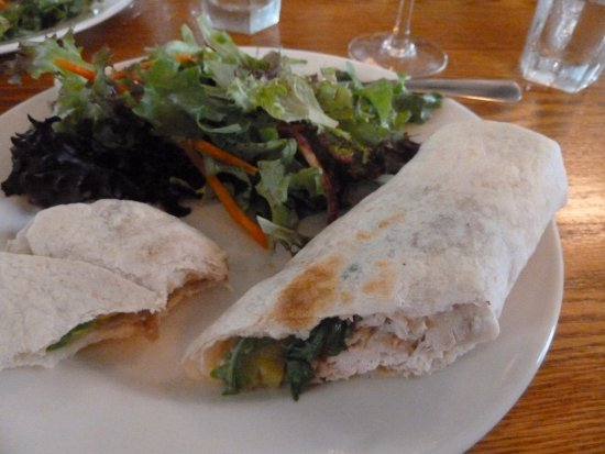 Inn-Lake on the Mountain Restaurant: Smoked chicken & avocado wrap