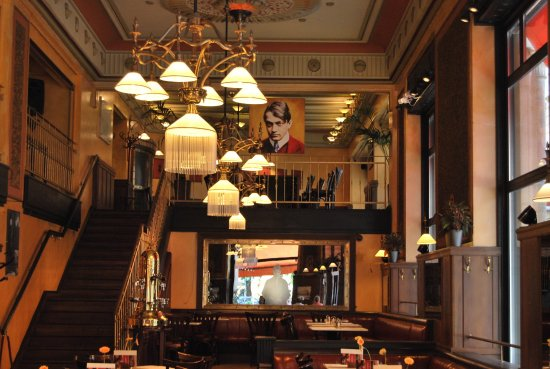 Central Cafe and Restaurant: Interior del Café Central