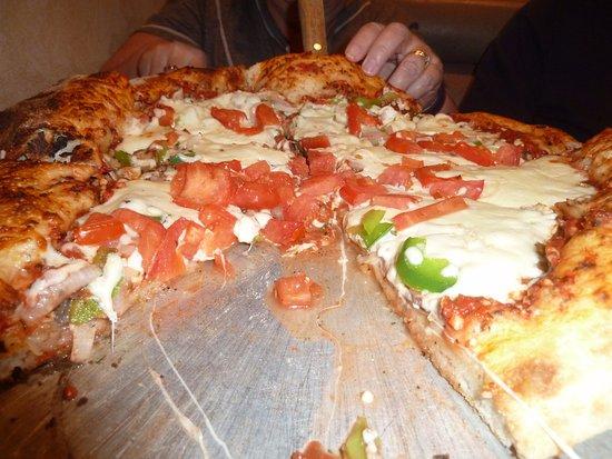 Angelo's Restaurant & Pizza : Lotsa veggies on regular crust