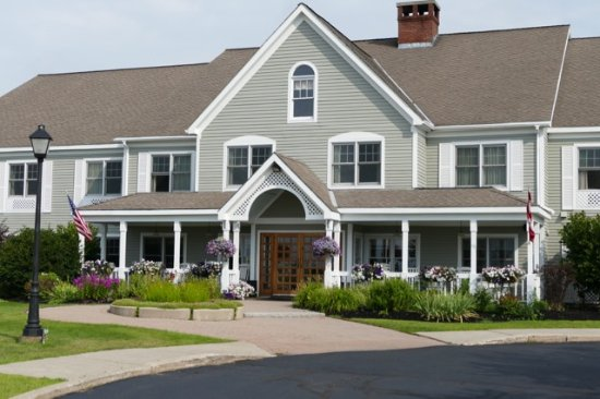 Book the Country Inn at The Mall - Situated near the airport, this hotel is mi ( km) from Bangor Mall and within 3 mi (5 km) of Orono Bog Boardwalk and Cascade Park. Eastern Maine Medical Center and University of Maine Museum of Art are also within 3 mi (5 km).
