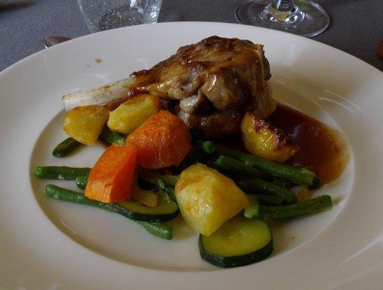 Saint-Pierre-la-Palud, Frankrike: côtelette d'agneau....