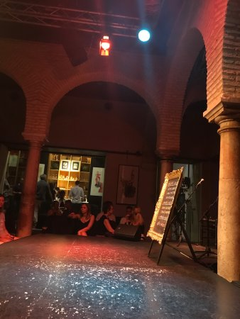 Museo del Baile Flamenco : It was amazing like meditation. They were so good, danced like crazy. It was the best 20 euros I
