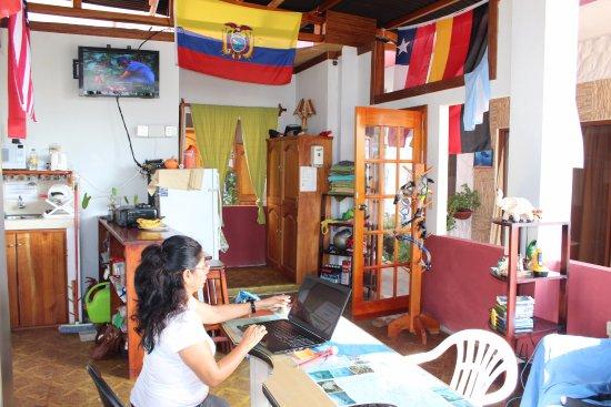 Galapagos Best Hostel: Reception