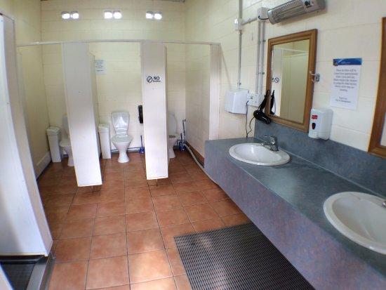Wanaka Top 10 Holiday Park  Communal Bathroom. Communal Bathroom   Picture of Wanaka Top 10 Holiday Park  Wanaka