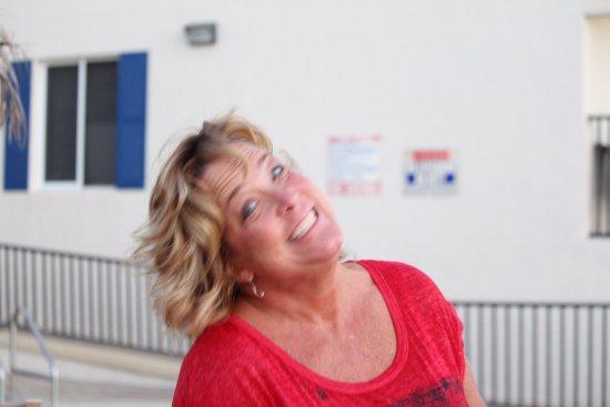 Belleair Beach, FL: Monica desk clerk enjoying our company and was very helpful