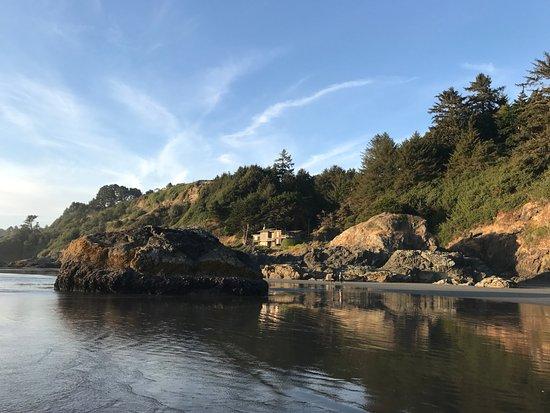 Clam Beach County Park: Beach side house. Big rocks on the beach.