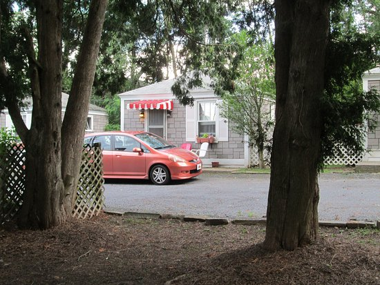 Manns Choice, PA: Cottage #11 with Honda Fit - that's just how small the cottages are.