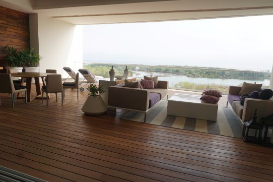 Grand Luxxe Residence Club: Balcony View