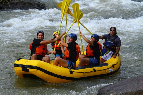Las Marias, Portorico: High five on The Medalla Rapid.